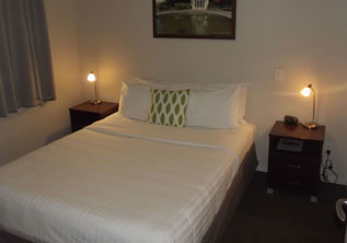1 bedroom hotel motel accommodation hamilton